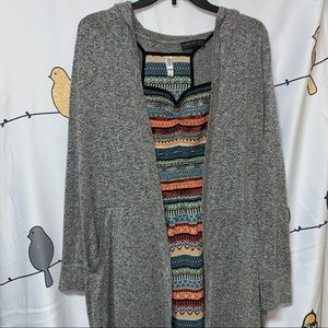 3/20.00❤️ forever 21 grey and black hooded sweater